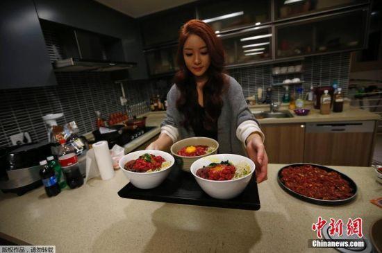 韩美女视频直播吃饭 每天三小时--贵州新闻网: