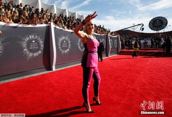 当地时间2014年8月24日,美国洛杉矶,2014MTV音乐大奖颁奖礼举行,众女星红毯争艳。图为格温·史蒂芬妮。