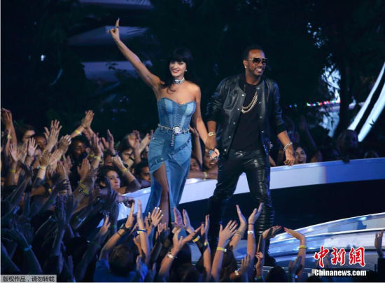 当地时间2014年8月24日,美国洛杉矶,2014MTV音乐大奖颁奖礼举行,众女星红毯争艳。图为凯蒂佩里。