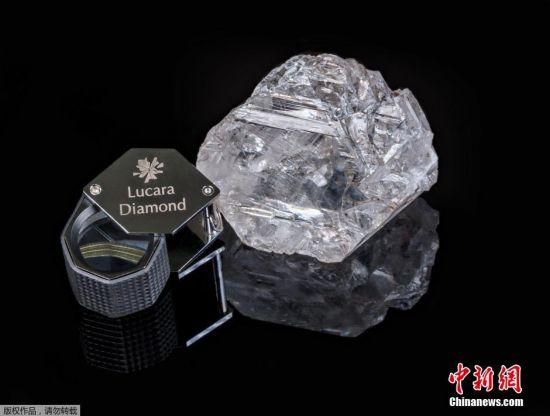 11月20日消息, 据英国《金融时报》消息,一家加拿大采矿公司声称在博茨瓦纳发现了一颗重达1111克拉的宝石级钻石,为一个多世纪以来发现的最大钻石。
