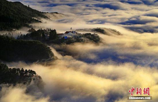 雪后放晴的江西庐山美景。 殷锡翔 摄