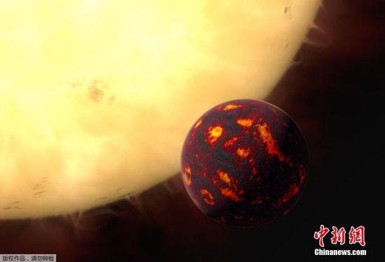 """2016年2月16日消息,欧洲太空总署发布巨蟹座55e图片。巨蟹座55e(55 Cancri e)是一颗环绕着巨蟹座55A的奇特太阳系外行星,它既是一颗超级地球(Super-Earth),也被系外行星爱好者戏称为""""钻石行星(Diamond Planet)"""",质量和密度分别是地球的8倍和2倍,表面公转一周仅需18个小时。(图为艺术家创作的概念图)"""
