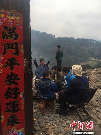图为贵州剑河县温泉村灾后场景。 张伟 摄