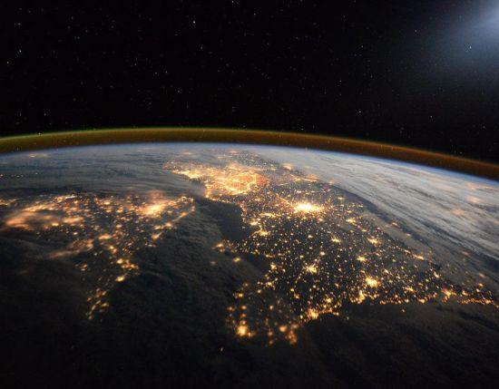 蒂姆・皮克从太空看英国。图片来源:欧洲航天局 美国宇航局