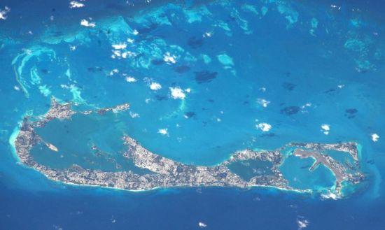 蒂姆・皮克从太空看到的百慕大群岛。图片来源:欧洲航天局 美国宇航局
