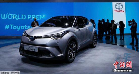 丰田的新款小型SUV车型C-HR亮相,虽然看起来像是概念车,但它实实在在的是一款量产车型。