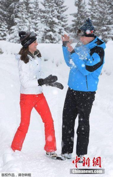 近日,英国威廉王子与凯特王妃偕乔治小王子与夏洛特小公主一同前往法国阿尔卑斯山区滑雪度假。这是这个四口之家首次一同度假。