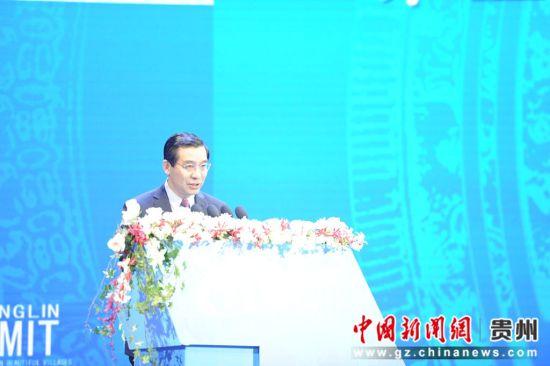 民革中央副主席兼秘书长李惠东主持。