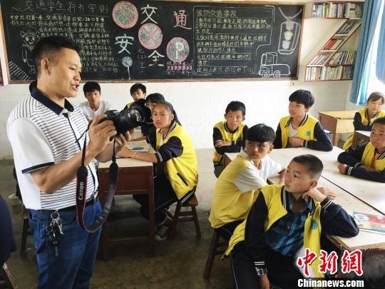 """mg电子游戏平台网址:贵州黔西""""生态文明""""进课堂_""""护绿""""从娃娃抓起"""