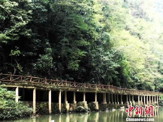 北京赛车走势图:走访亚鲁文化村寨:格凸河边旅游忙