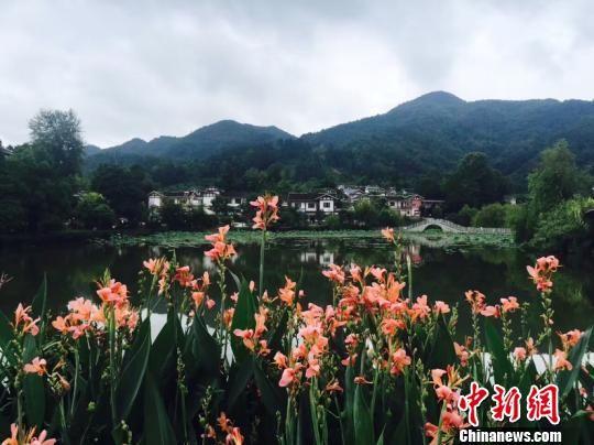 808彩票网手机版:最长假日黄金周_贵州首日接待游客逾412万人次