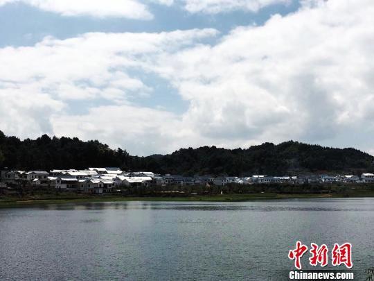 """让青山绿水释放""""红利""""已经成为贵州城乡发展理念。 杨云 摄"""