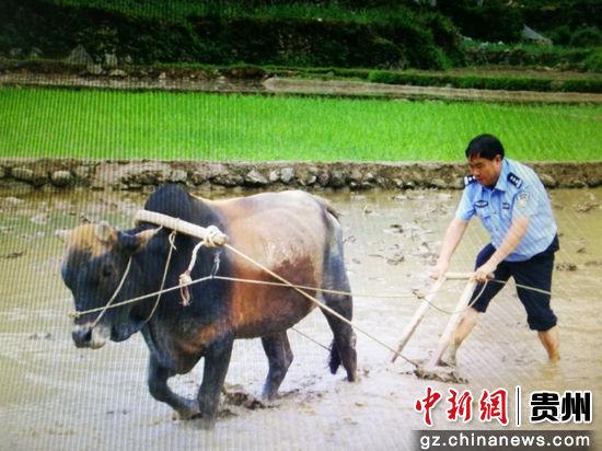 北京赛车pk10官网:贵州黔西南:60岁老民警初心如磐