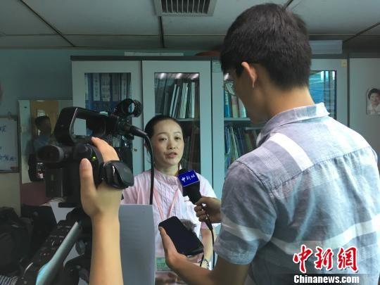 贵阳市妇幼保健院儿童重症医学科副主任医师徐艳霞接受中新网记者采访。 周娴 摄
