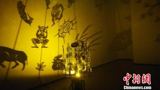 中央美术学院实验艺术学院学生靳阳的作品《祭天神》 钟欣 摄