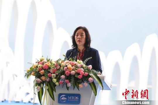 国家体育总局副局长杨宁在2018国际山地旅游暨户外运动大会开幕式上致辞。 贺俊怡 摄