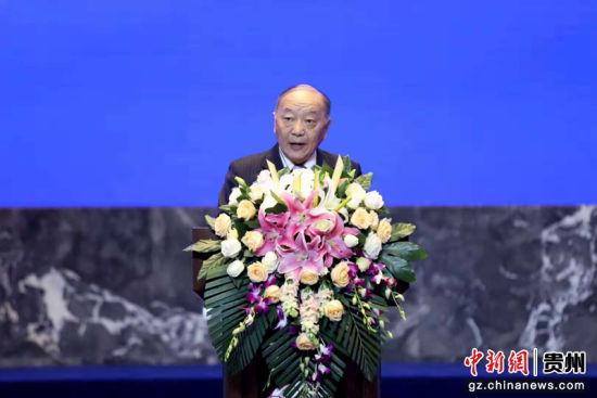 中国产业海外发展协会会长胡卫平致欢迎辞