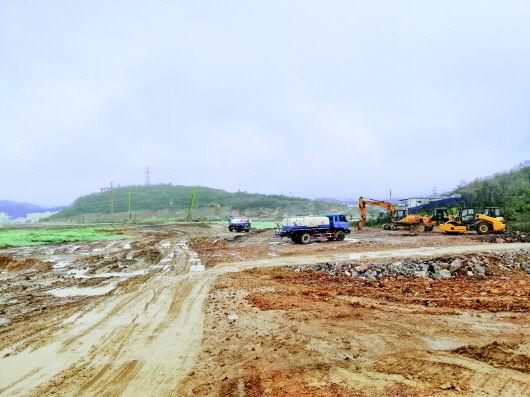 黔西县电商生鲜农产品冷链物流园区建设项目施工现场。