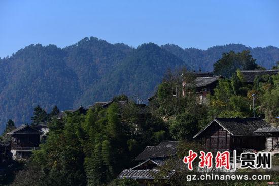 这是11月26日在贵州省丹寨县排调镇排调村拍摄的静谧苗寨。杨武魁 摄