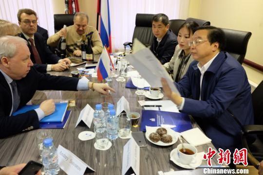 图为遵义市代表团与俄方会谈交流。 舒星 摄