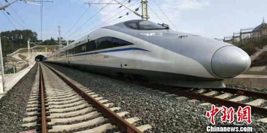 贵州第二条城际铁路开通运营 。中国铁路成都局集团有限公司 供图