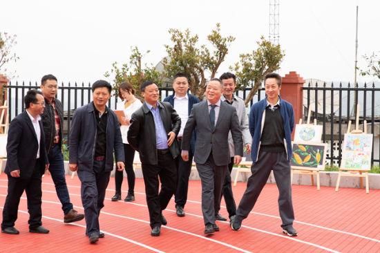 中天金融集团执行总裁张智出席竣工仪式