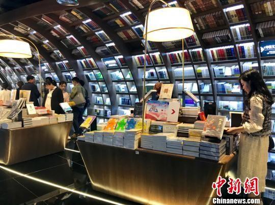 贵阳钟书阁书店。 周燕玲 摄