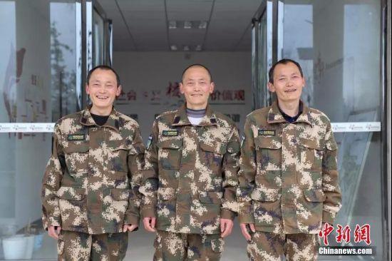 贵州省毕节市七星关区拱拢坪国有林场的护林员。 瞿宏伦 摄