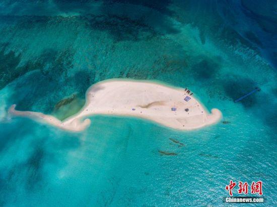 航拍西沙全富岛全景。骆云飞 摄