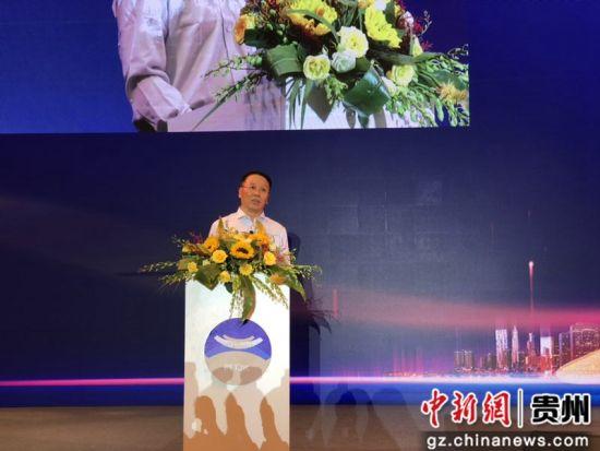 茅台集团董事长、总经理李保芳。舒星摄