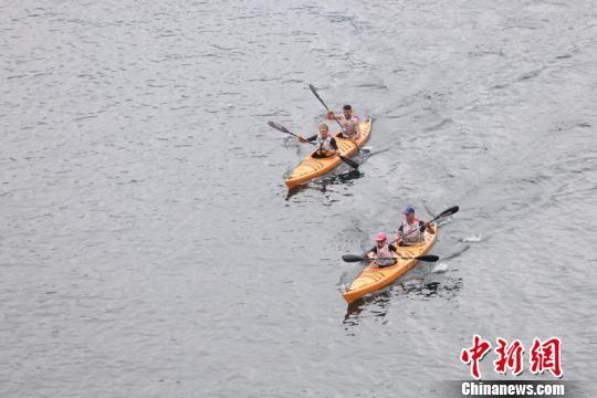 在贵州举行的皮划艇项目。瞿宏伦 摄