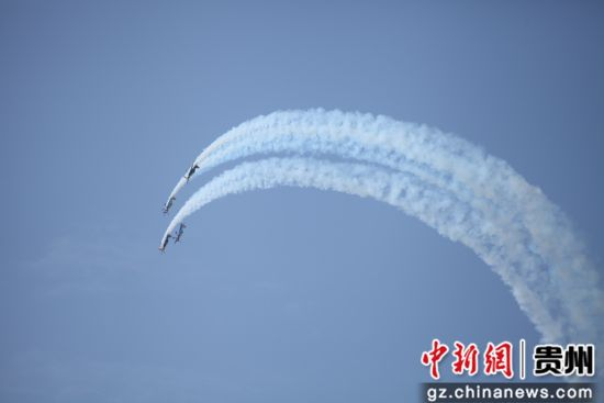 XA-42四机编队表演,上演极具观赏性的空中芭蕾表演。第一通航供图
