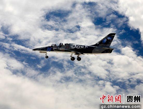 L-39飞机单机表演。 由第一通航供图
