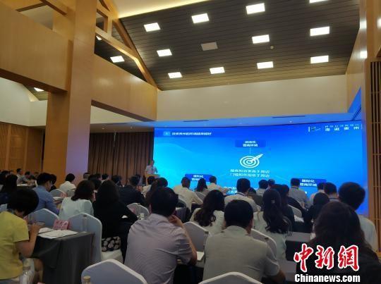 贵州省人民政府副省长卢雍政致辞。张翼晶 摄