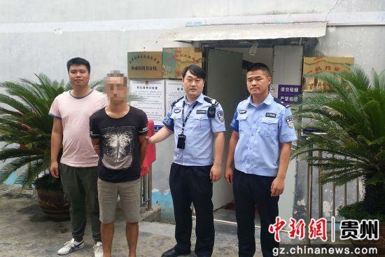 玉屏车站派出所民警根据情报指令及时将涉嫌吸毒嫌疑人查获