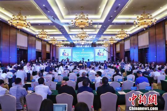 """图为""""2019贵州・台湾经贸交流合作恳谈会""""开幕现场。 瞿宏伦 摄"""